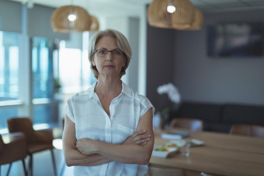Case Study - Directors' Dilemma 5 Non Executive Directors Conflict of Interest